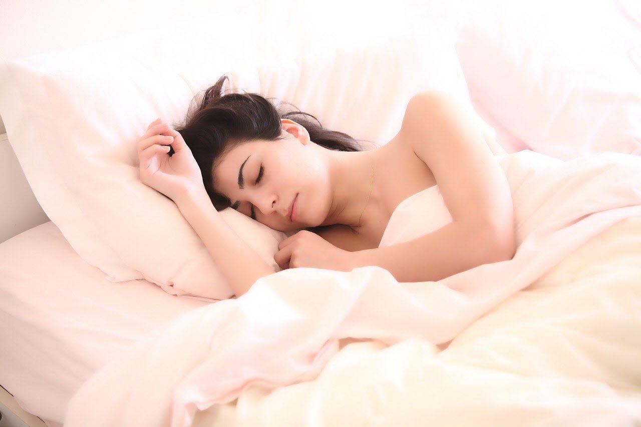 mujer dormida sueño